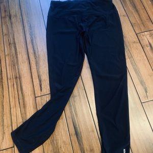 Reebok athletic leggings. Basic black.